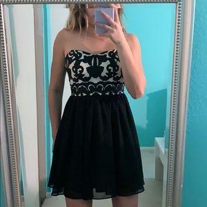Windsor Flowy Dress